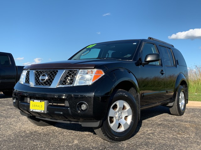 Pre-Owned 2007 Nissan Pathfinder S