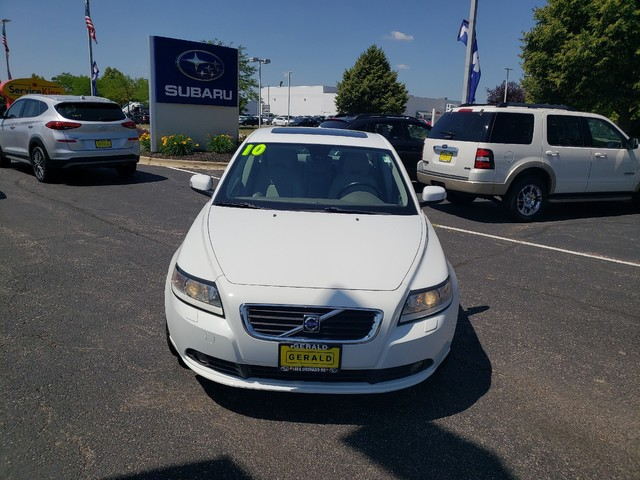Pre-Owned 2010 Volvo S40
