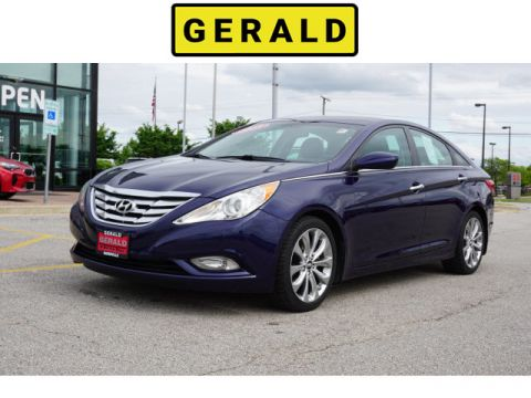 Pre-Owned 2013 Hyundai Sonata Limited PZEV w/Wine Int