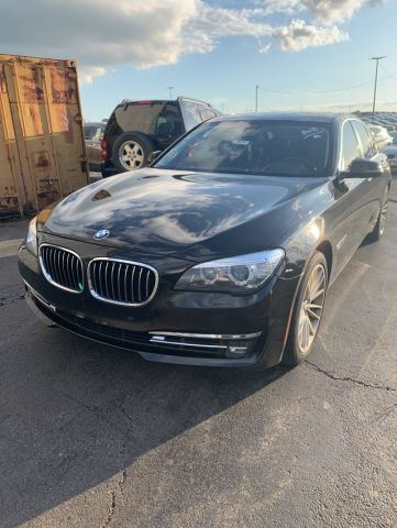 Pre-Owned 2013 BMW 7 Series 750i xDrive